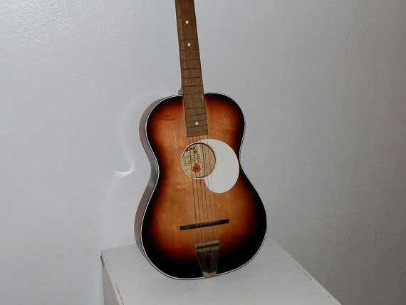 Questa Egmond è la stessa prima chitarra di Jean Merech