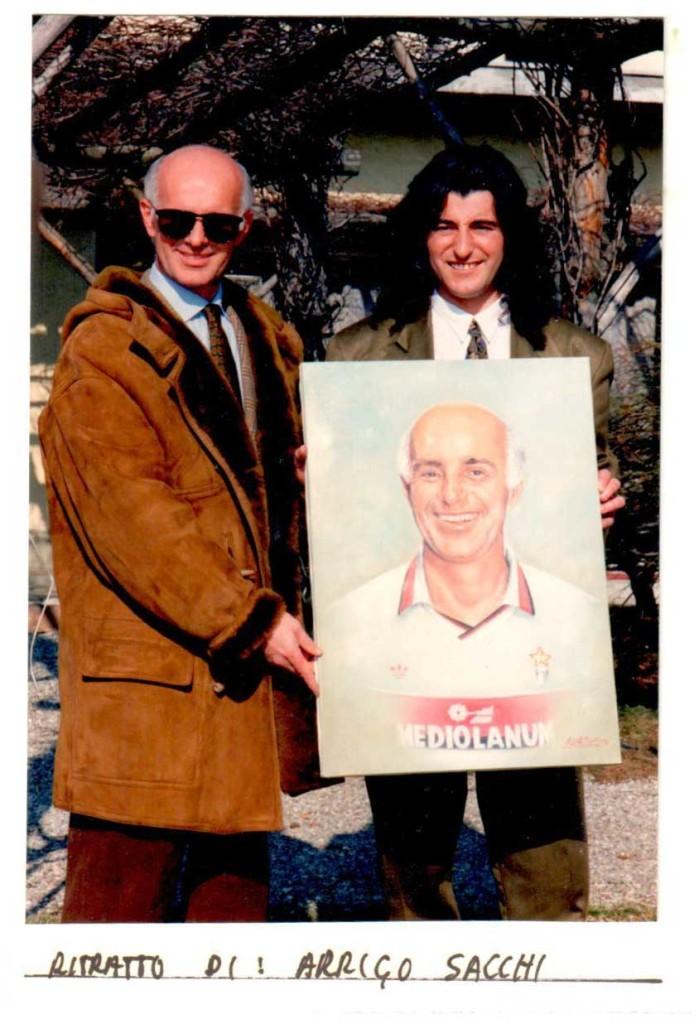 Jean Merech consegna il ritratto ad Arrigo Sacchi del Milan