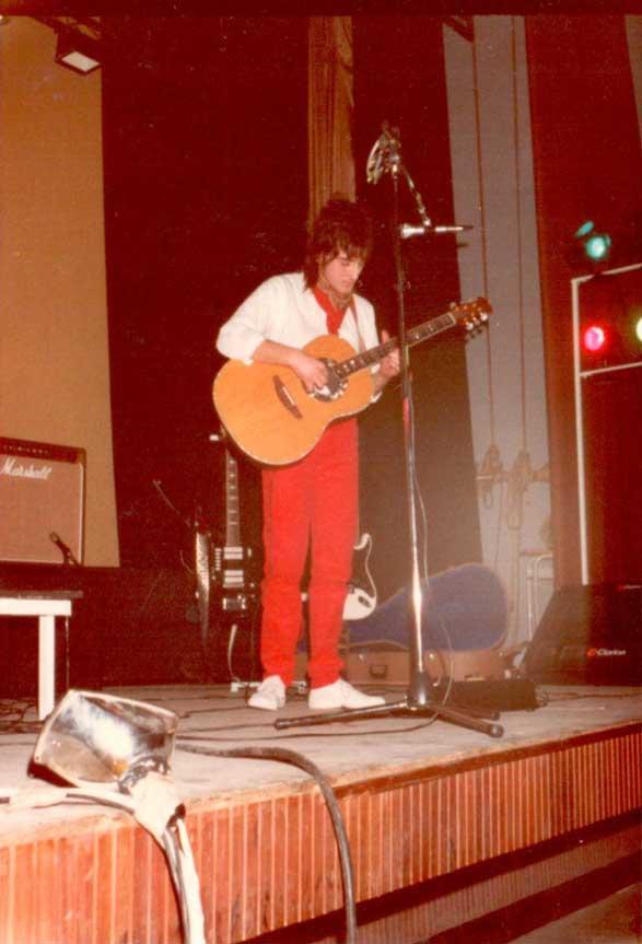 Jean Merech agli esordi, durante un concerto di Novembre del 1981